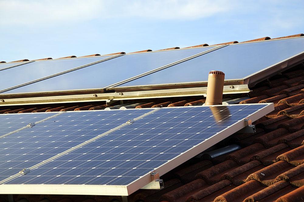 cuál es el funcionamiento de los paneles solares