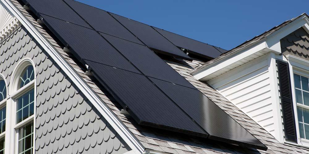 Cuantos paneles solares necesito para alimentar una casa en 2020