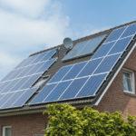 ¿Puedo poner paneles solares en mi techo?