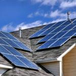 ¿Cuántos paneles solares debo instalar?