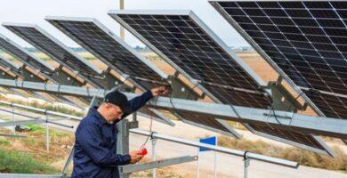 ¿Cómo probar un panel solar con un multímetro?